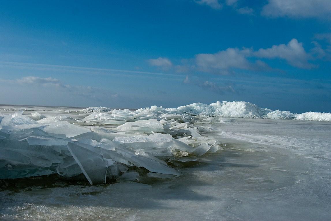 Kruiend ijs IJsselmeer